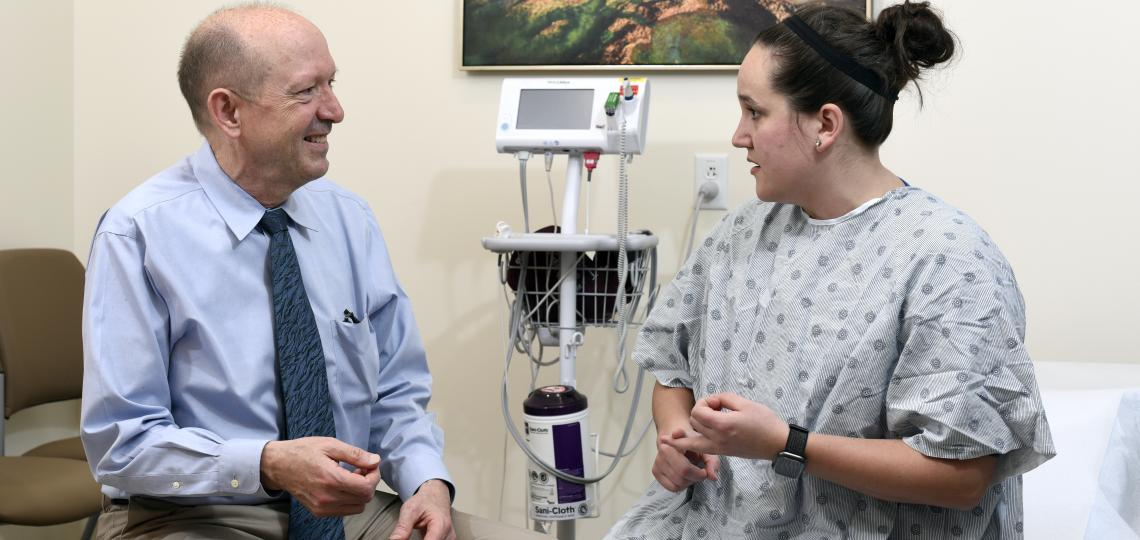 Gynecology oncologist meets with patient