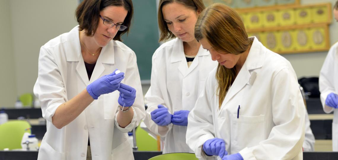 Tropical Medicine students in the lab.