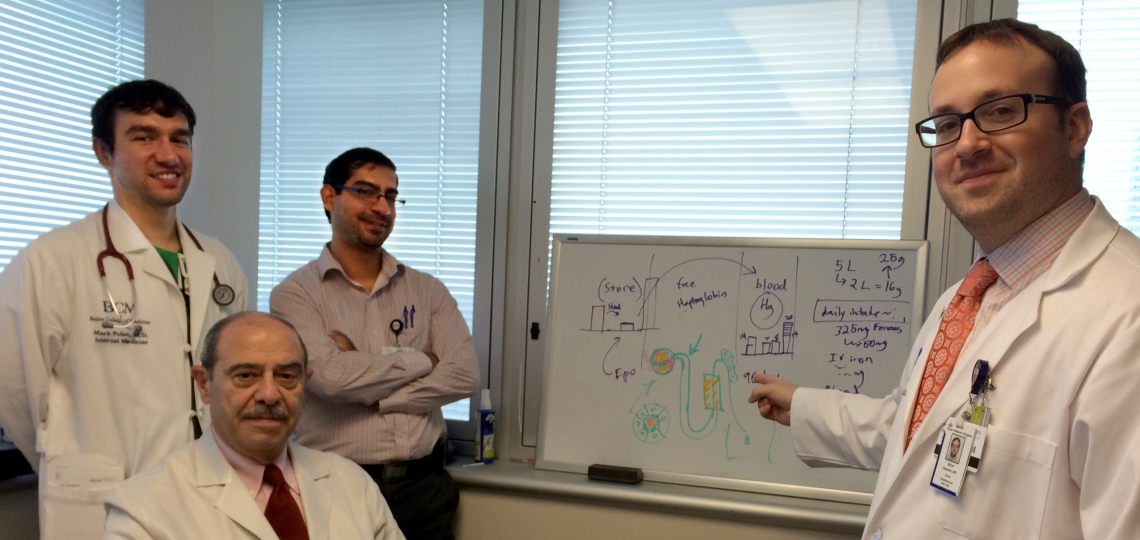 Dr. Eknoyan teaching Drs. Zwecker and Abu-Farsakh about the nephron.