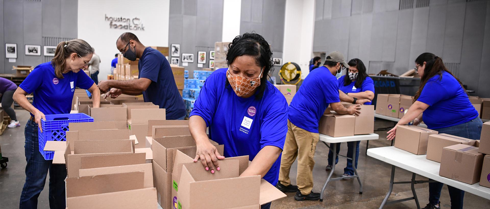 Baylor volunteers at Houston Food Bank