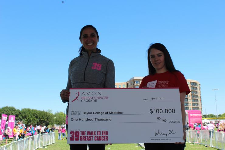 Dr. Stacey Carter, assistant professor of surgery at Baylor and the medical director for this year's walk, accepted the award on behalf at Baylor at the event's closing ceremonies on April 23.