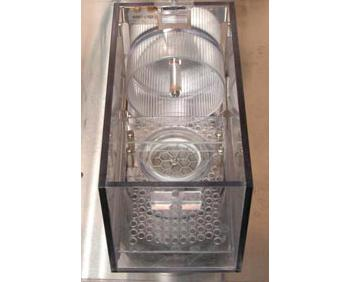Cage with free running wheels