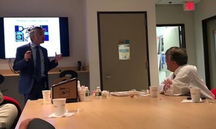 U.S. Representative visits Baylor College of Medicine
