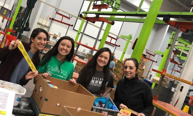 PA students volunteering at the Houston Foodbank