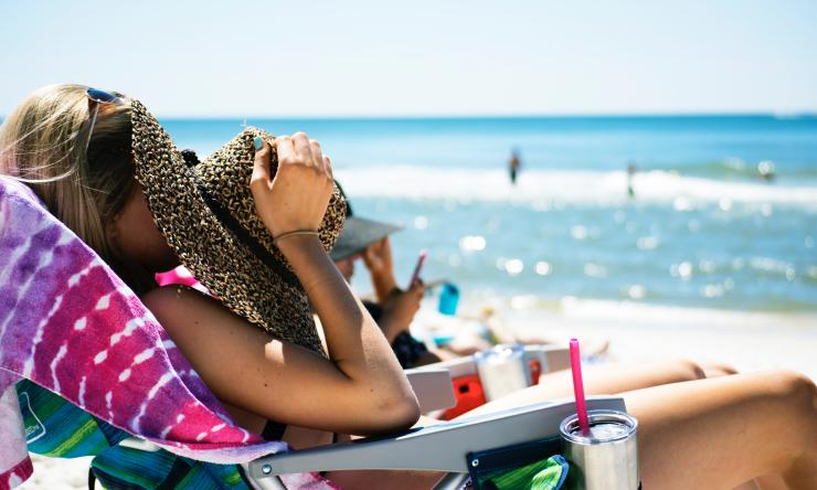 Sensitive skin should not keep you from wearing sunscreen, especially during the summer months.